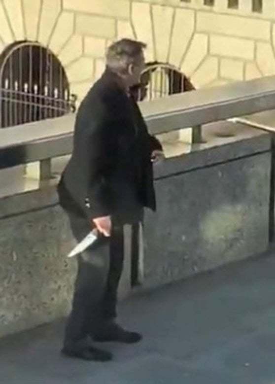 Il passante che ha disarmato l'attentatore