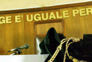 Tribunale e toga. Corruzione