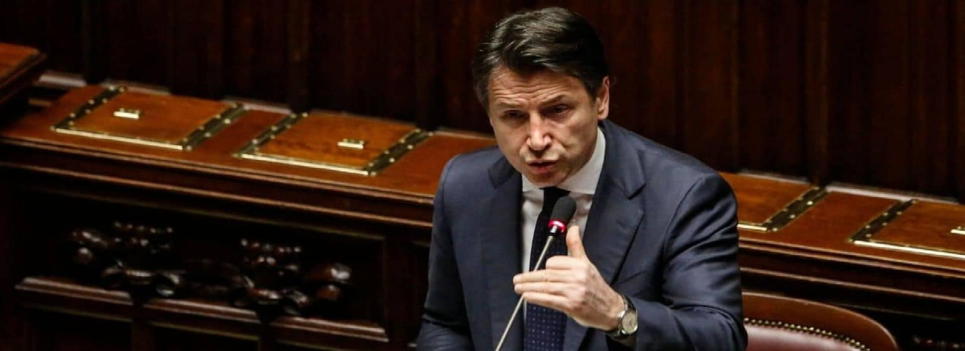"""L'informativa urgente del premier Conte alla Camera: """"No improvvisazioni"""""""