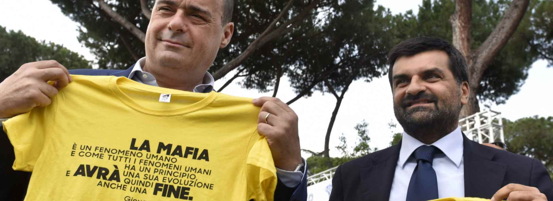 Alla corte di Palamara anche Zingaretti e Minniti. Il pm con l'incarico alla controllata della Regione Lazio con la moglie dirigente