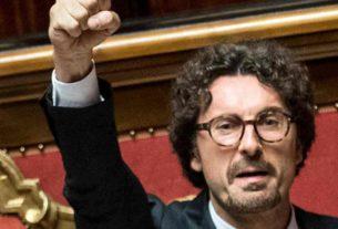 La famiglia a 5 stelle si allarga: sistemato a 250mila euro l'anno l'ex capo segreteria di Toninelli