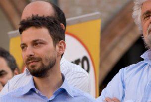 """M5S-Chavez: Casaleggio querela. Favia: """"Di Martino mi contattò, oggi nega"""""""