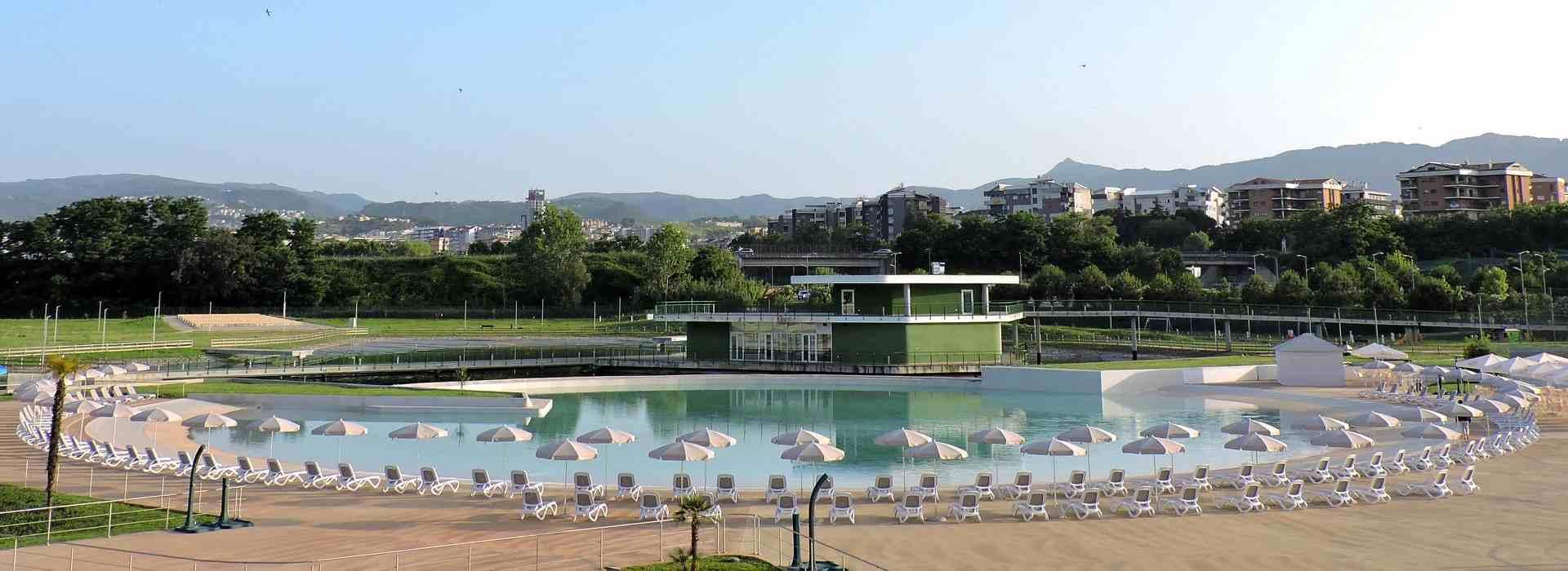 Parco Acquatico di Rende: bollette non pagate e dipendenti disperati. Il Comune non sapeva (ovviamente). Minacce a giornalista
