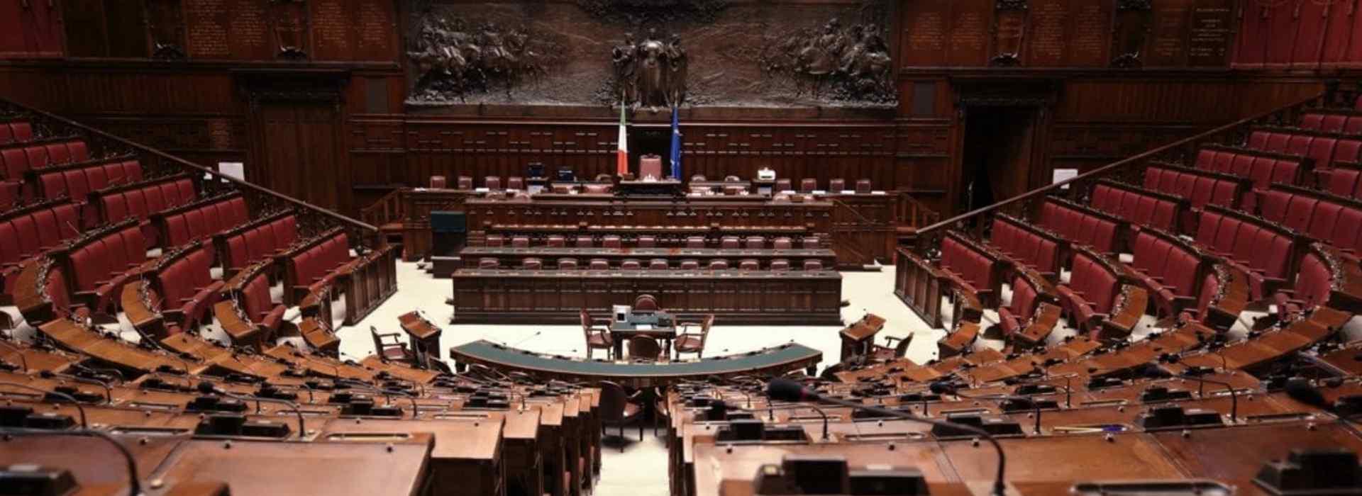 I fortunati del lockdown: parlamentari ed ex. In Abruzzo pagati 1,5 mln di vitalizi in quattro mesi. Vitalizi