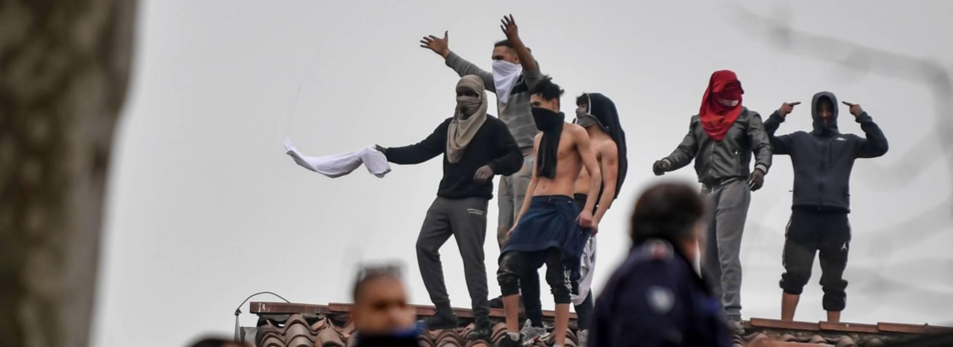 """Servizi segreti, Zagaria e l'ex capo del Dap Basentini. Spunta il """"papello"""" per far cessare le rivolte nelle carceri"""
