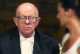 """Antonio Esposito, il giudice che condannò Berlusconi: """"Se mi capita, gli devo fare un mazzo così"""""""