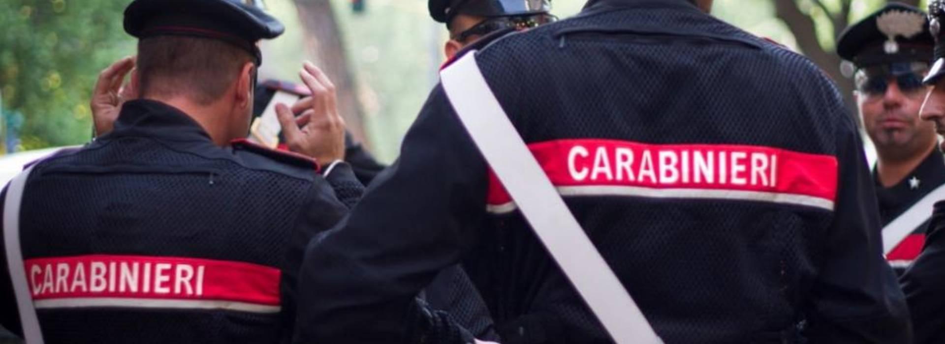 Carabiniere denunciato e trasferito: aveva chiesto mascherine per i colleghi