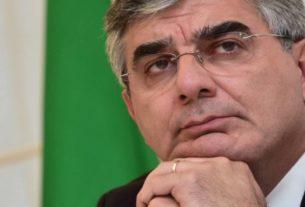Luciano D'Alfonso votato dai 5Stelle alla Commissione Finanze. Come si cambia per non morire