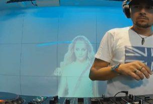 Poltrone infinite: 10mila euro al mese per l'ex dj di Grillo