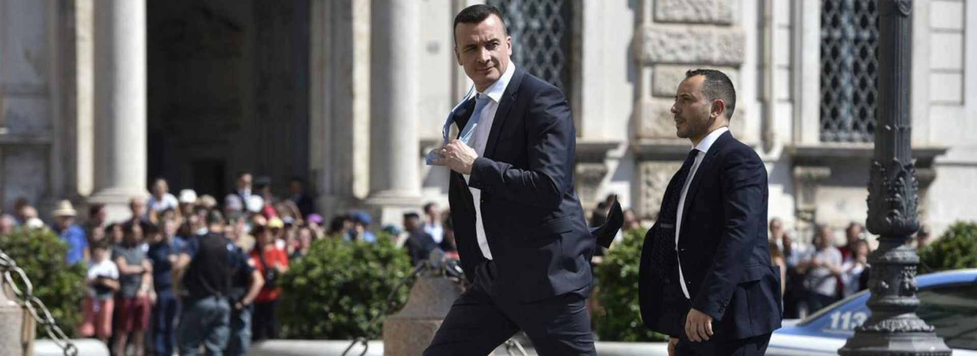 """Casalino: """"7mila euro li guadagno in una settimana"""""""
