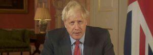 Il primo ministro inglese, Boris Johnson, parla alla tv
