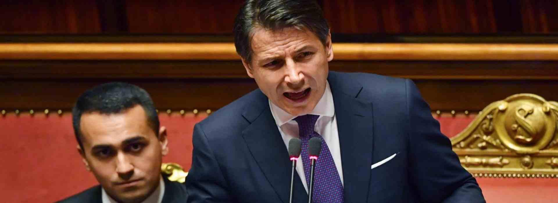 Provvedimenti anti-covid: il governo dice sì. Conte e Di Maio in Parlamento