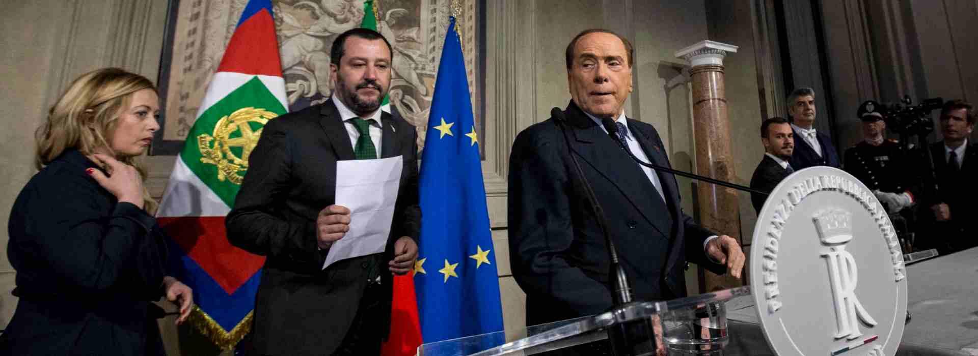 Berlusconi salva il governo: il centrodestra vota lo scostamento di bilancio. Di Maio soddisfatto