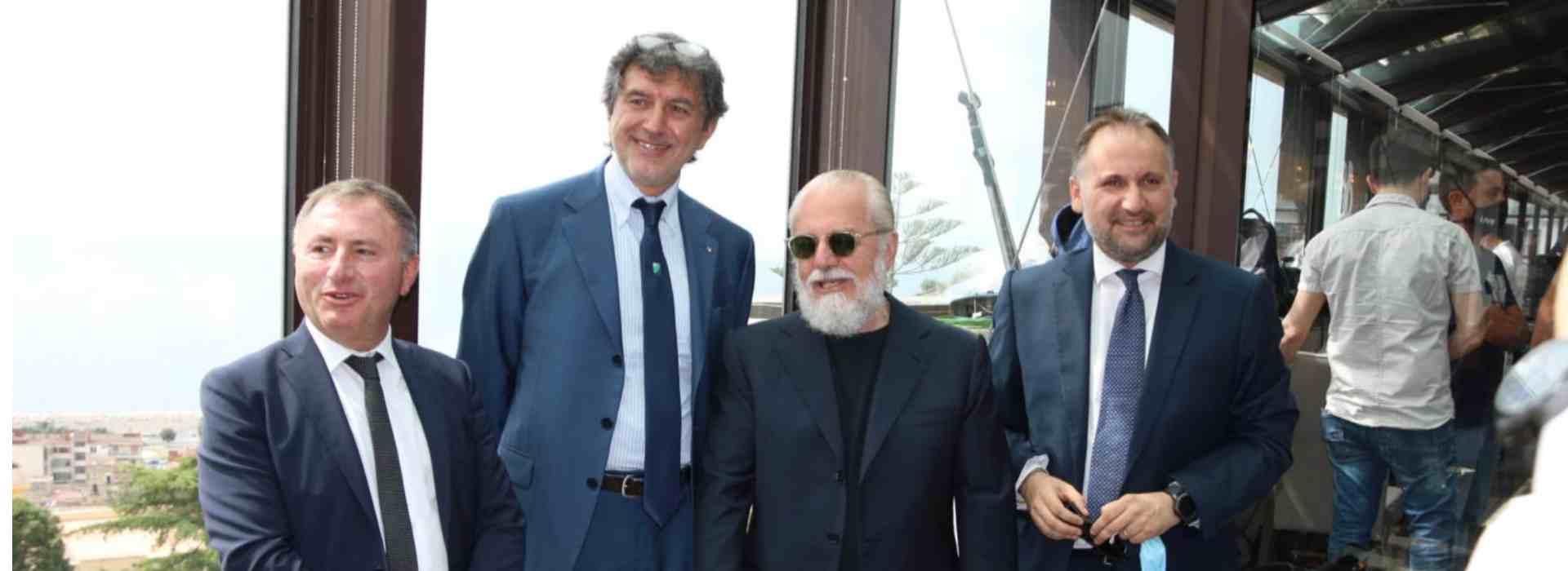 L'Abruzzo in zona rossa e Marsilio 'regala' 220mila euro al Napoli calcio
