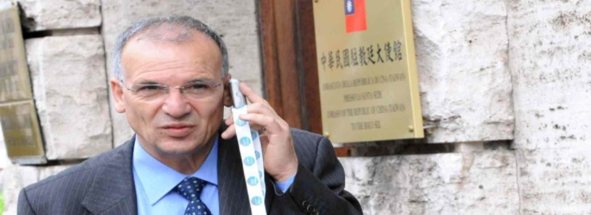 """'Ndrangheta, operazione """"Farmabusiness"""": arrestato il presidente del consiglio regionale della Calabria"""