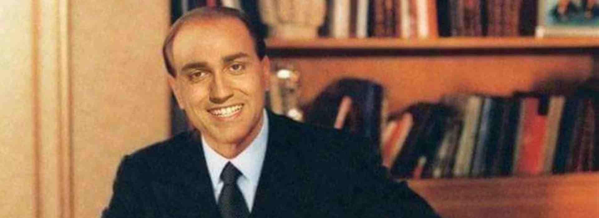 Tra Di Maio e Berlusconi è scoppiato l'amore.