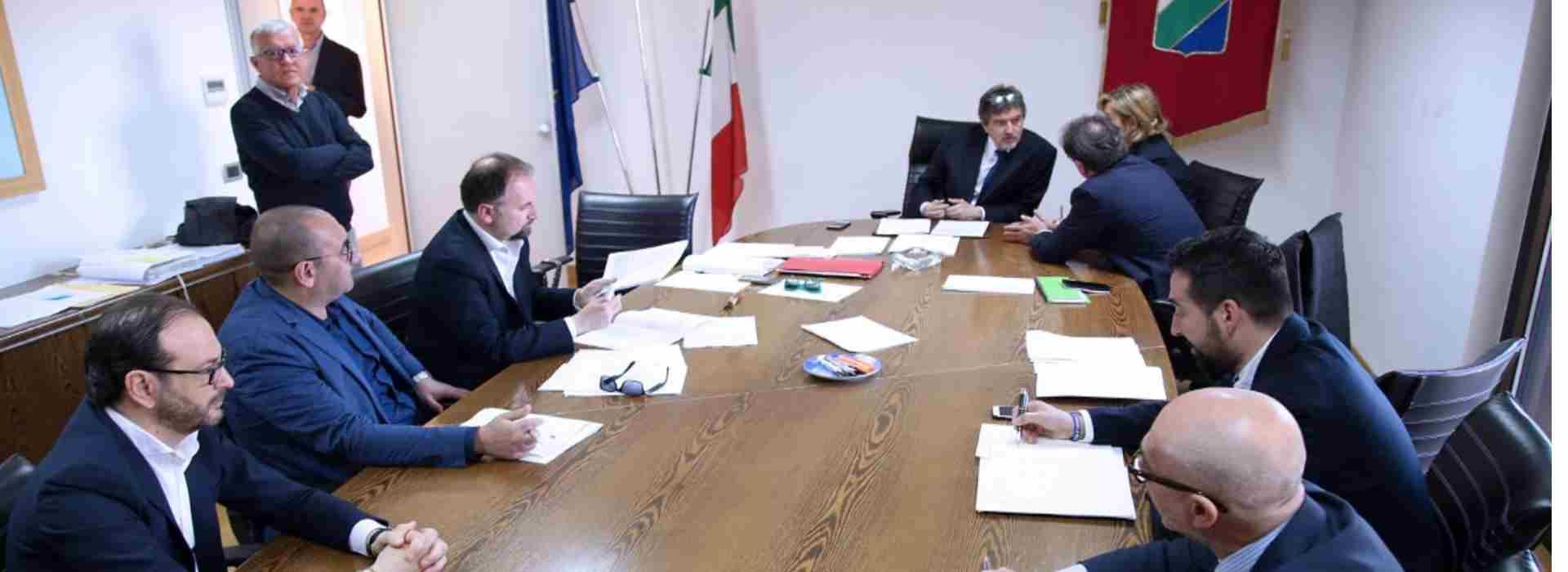 Caos Covid Regione Abruzzo: il governatore, la zona rossa e le imprese al collasso