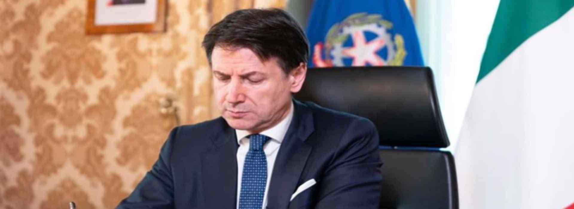 In vigore il nuovo dpcm: Conte firma le nuove restrizioni