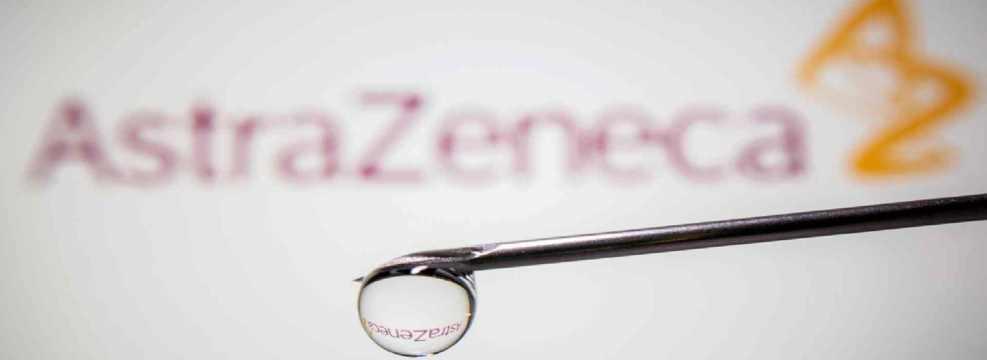 Vaccino AstraZeneca, usata una dose su 10. Ecco perché l'azienda ha dimezzato la fornitura
