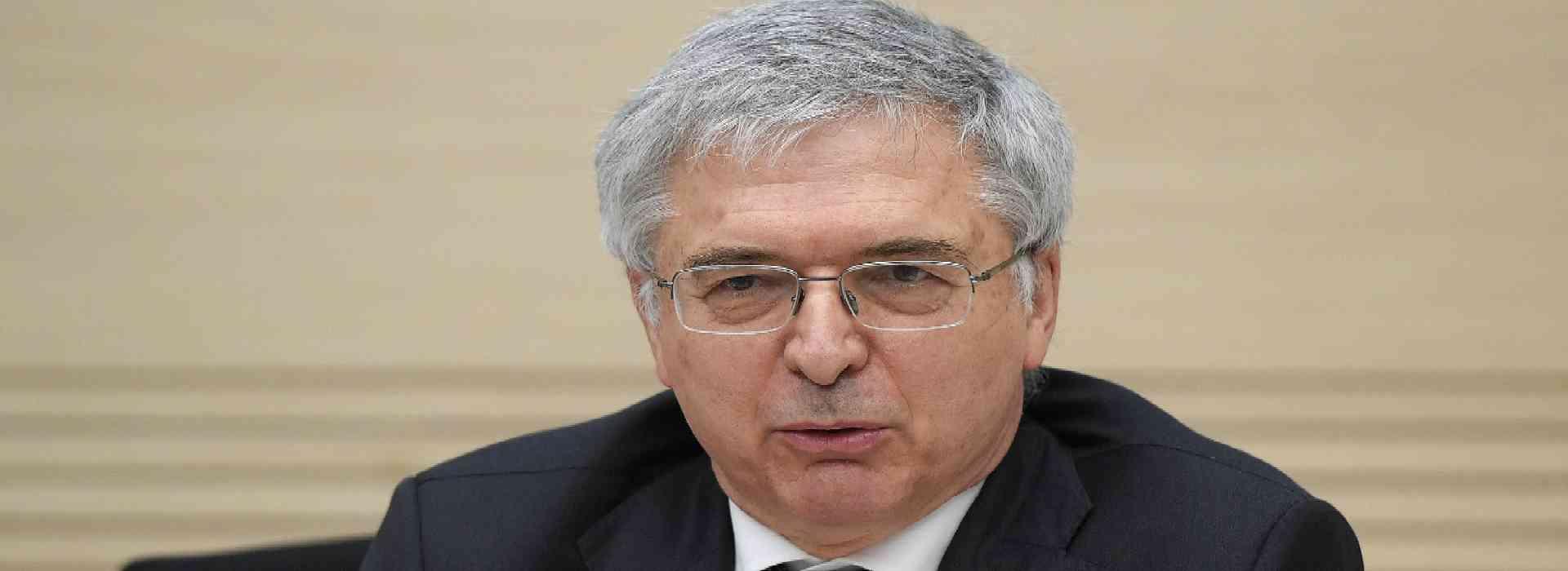 Cartelle esattoriali: il ministro dell'Economia Franco sceglie di non decidere
