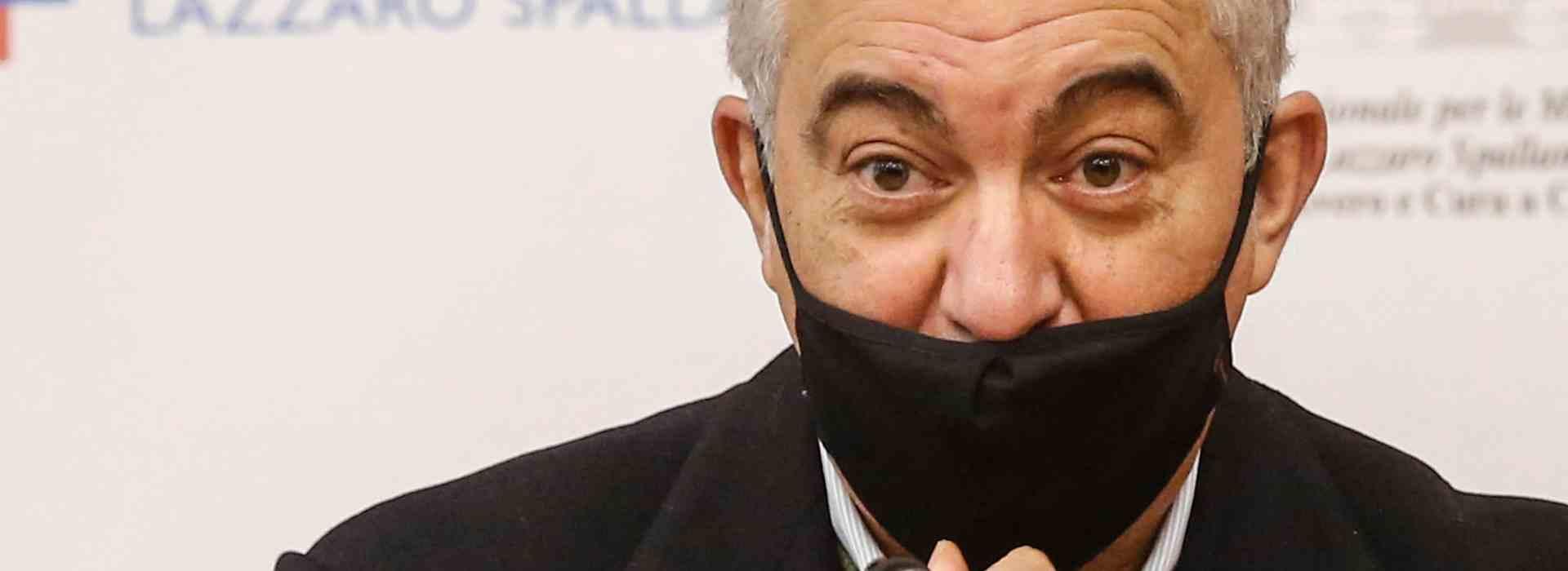 """""""Il distributore di morte"""": gli sms tra Arcuri e Benotti"""