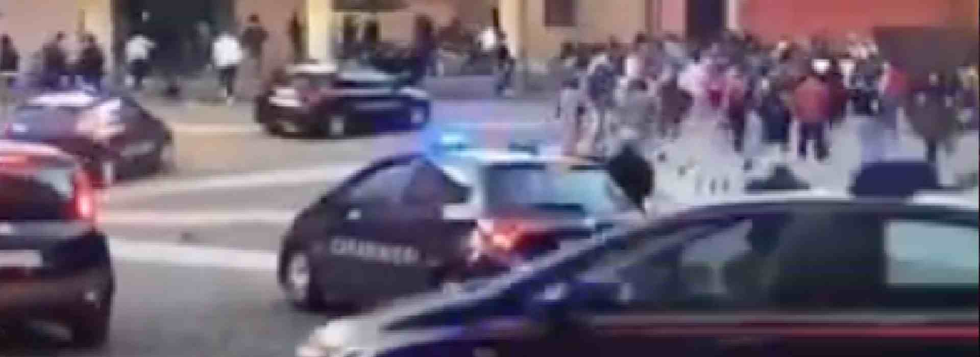 """Bologna """"lockdownfree"""", ma sei pattuglie di carabinieri disperdono alcuni ragazzini"""