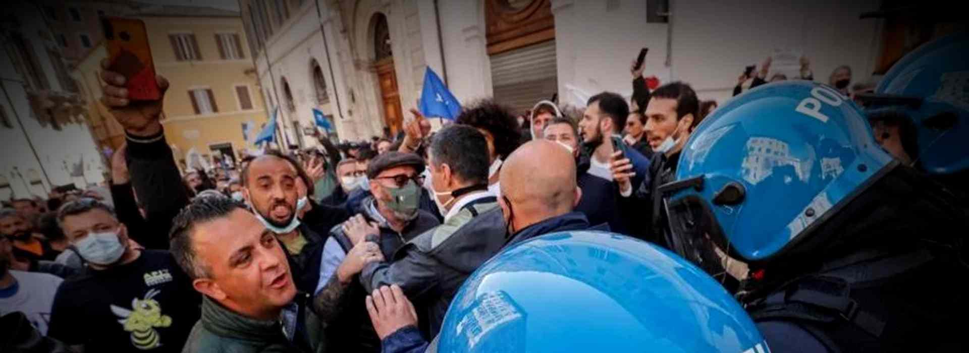 La protesta delle Partite Iva: tensione a Milano e Roma