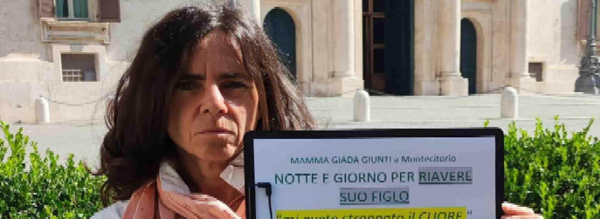 Le libertà negate al piccolo Jacopo, sottratto alla madre che un giudice vuole arrestare