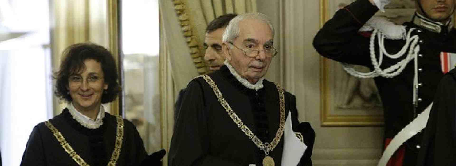 Corte Costituzionale: aiuti sociali a condannati per mafia e terrorismo. Ma niente Reddito di cittadinanza