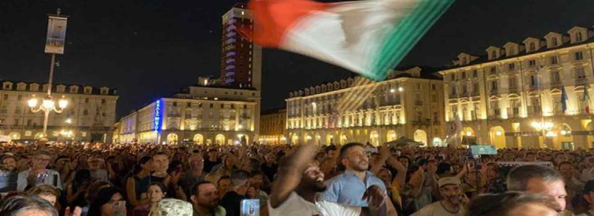 Green pass, a Torino la prima manifestazione contro l'obbligo della carta verde